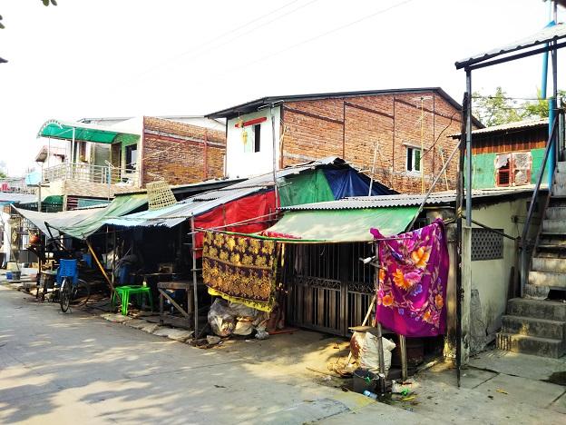ミャンマー庶民の暮らしや家