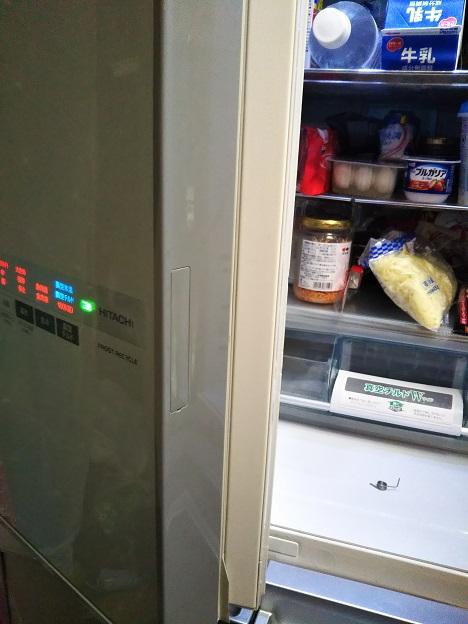 冷蔵庫の扉回転仕切り